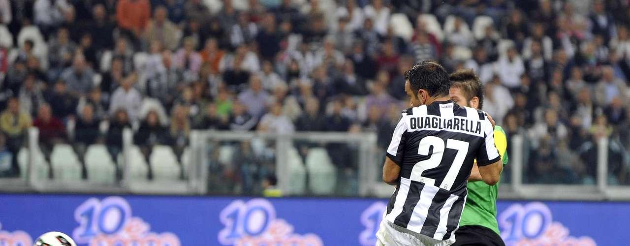 Quagliarella shoots and scores. REUTERS/Giorgio Perottino