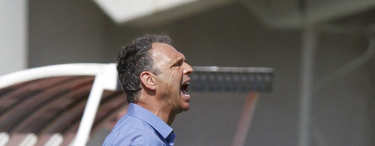 Mallorca's coach Joaquin Caparros reacts during their Spanish First division soccer match against Valencia at Iberostar stadium in Palma de Mallorca, September 23, 2012.