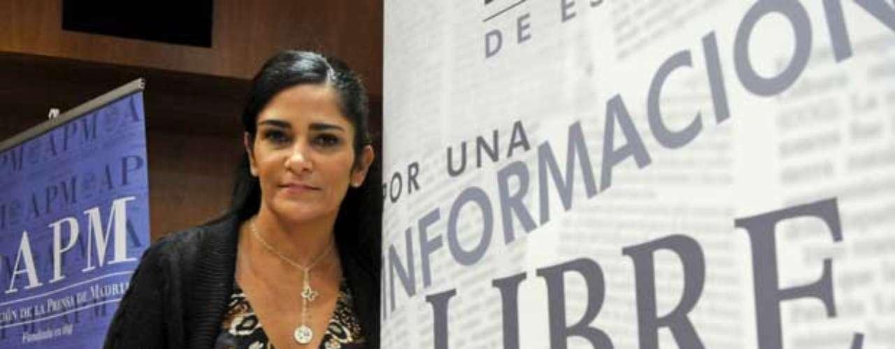 Lydia Cacho, famosa periodista en México por escribir libros y reportajes que sacaron a la luz redes internacionales de trata de blancas y pornografía infantil tuvo que huir del país.