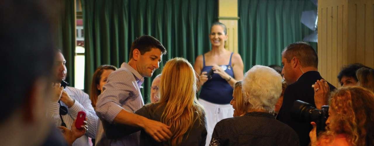 Ryan se confundió entre los presentes para hacer campaña.
