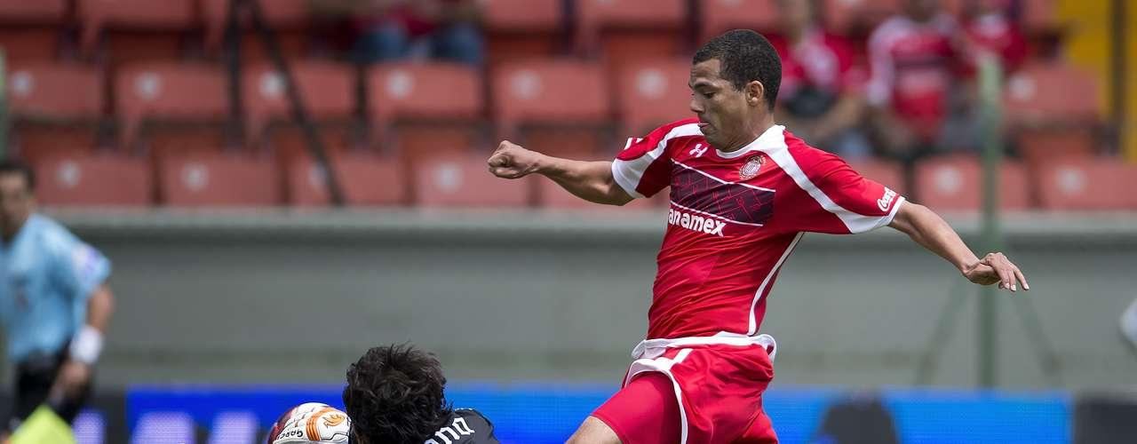 Lucas Silva tuco varias oportunidades para marcar, pero Villalpando evitó todas.