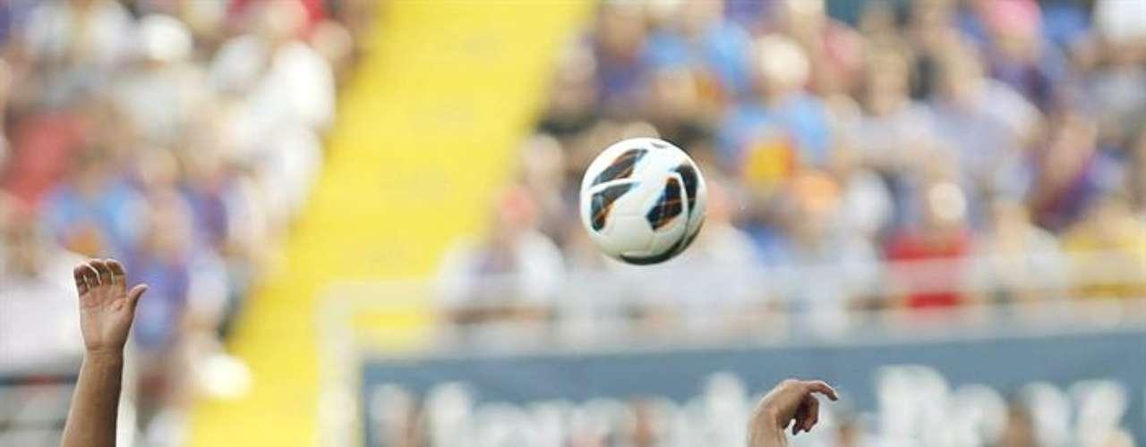Carlos Vela y la Real Sociedad cayeron 2-1 frente al Levante; el mexicano fue amonestado al 93'.