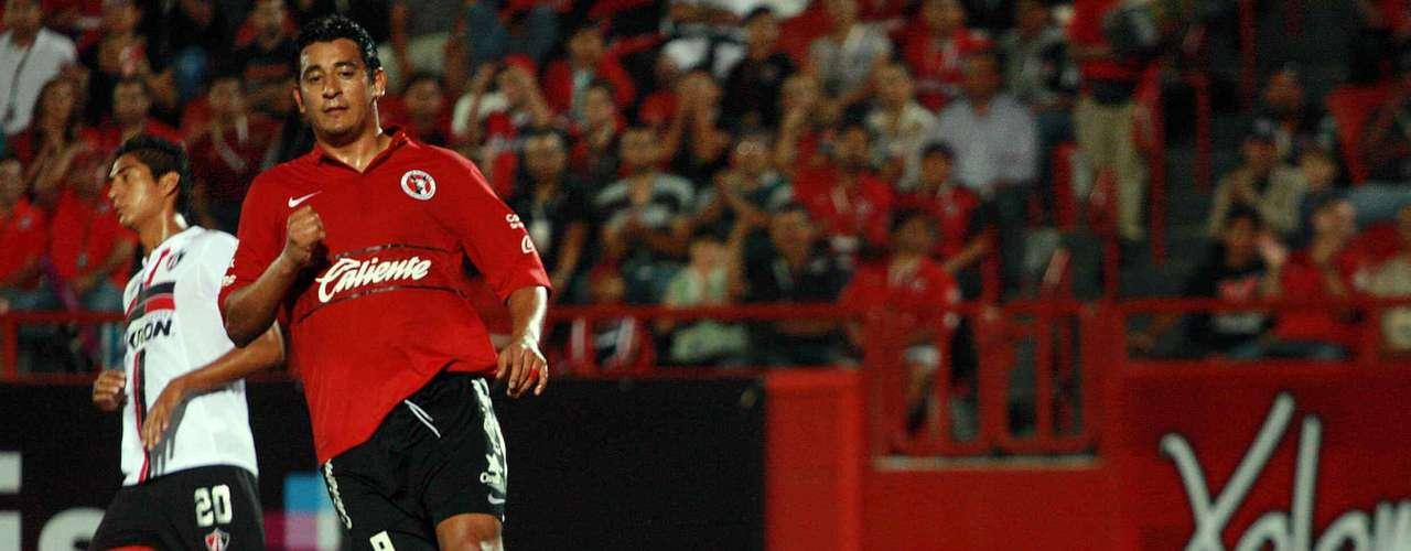 Miguel Pinto salió mal y se pasó luego de un centro de Alfredo Moreno, para que llegara el delantero colombiano Duvier Riascos para marcar el gol del empate de Tijuana ante Atlas.