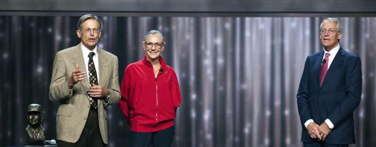 Alice Walton - La mujer de 63 años de edad (un año menor que Jim Walton) cuenta con una fortuna de 26.3 mil millones de dólares.