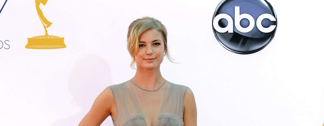 Emily Vancamp looked comfy and glamorous in this thin, see-through dress.