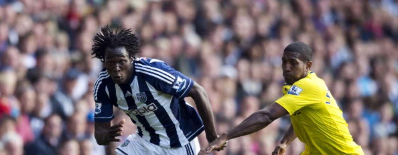 Romelu Lukaku y el West Bromwich lograron escaparse de la marca del Reading para vencerlos por la mínima diferencia (1-0).