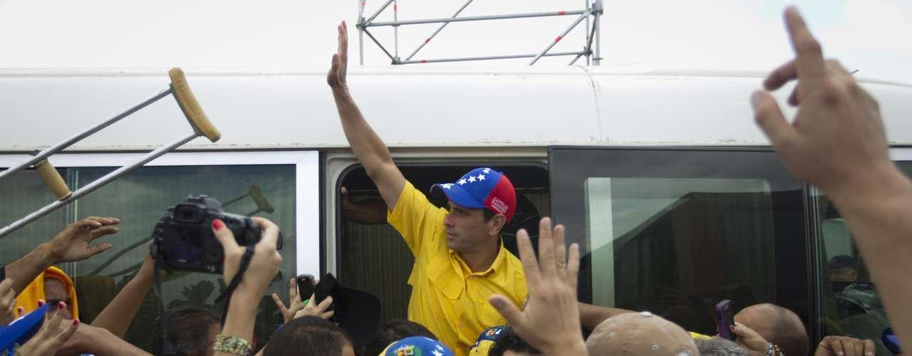 Capriles informó que a partir de este lunes iniciará \