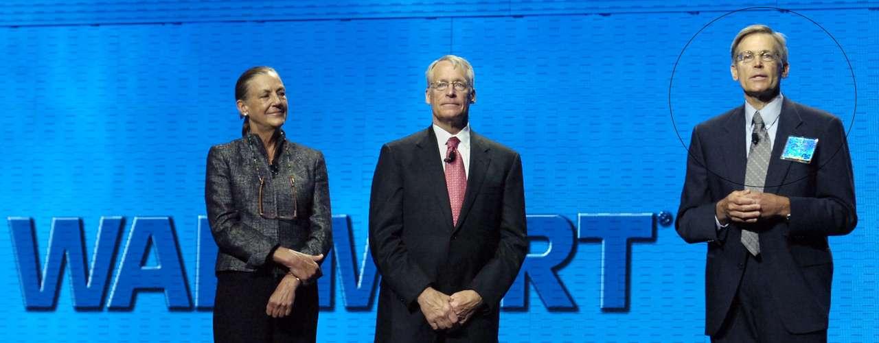 Jim Walton - El patrimonio neto del presidente y CEO de Walmart alcanza los 26.8 mil millones de dólares.