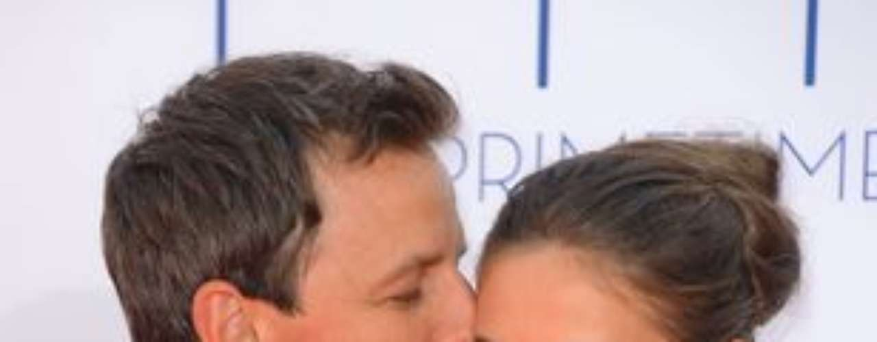 Alexi Ashe and Seth Meyers shared a cute moment on the red carpet.