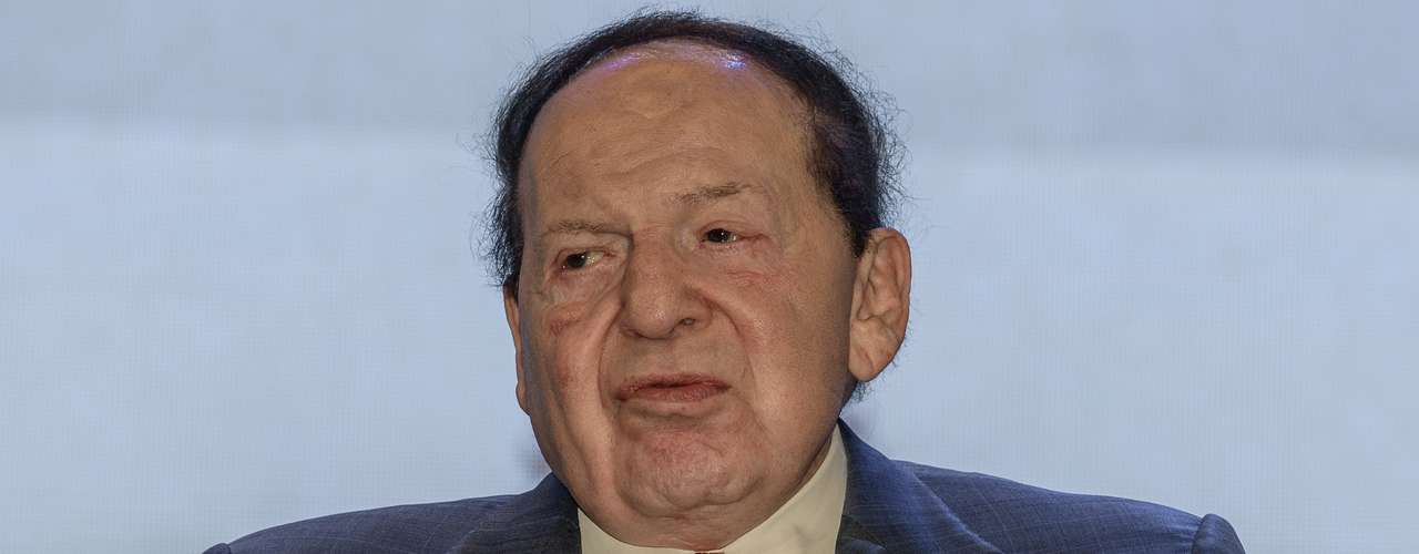 Sheldon Adelson - El CEO de Las Vegas Sands Corp., dedicada a la industria de hospedería, entretenimiento y casinos, cuenta con un patrimonio de 20.5 mil millones de dólares. Adelson tiene 79 años de edad.