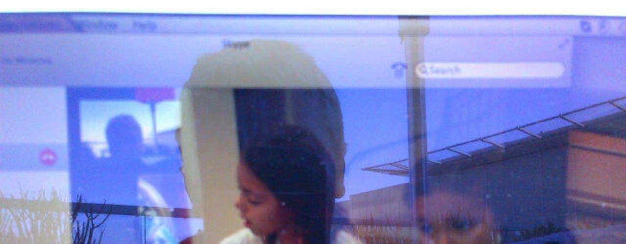 Cristian fotografió la pantalla de su computadora, en donde asistía en tiempo real el performance de sus pequeños