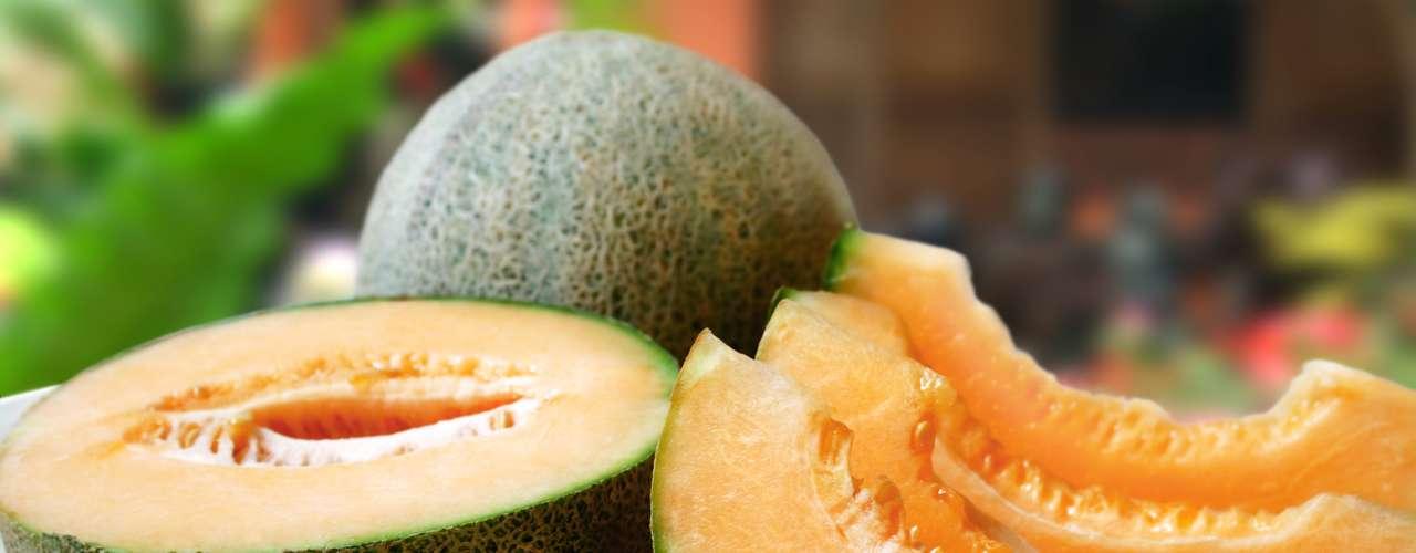 Melón: una porción de 134 gramos tiene 358 miligramos de potasio.