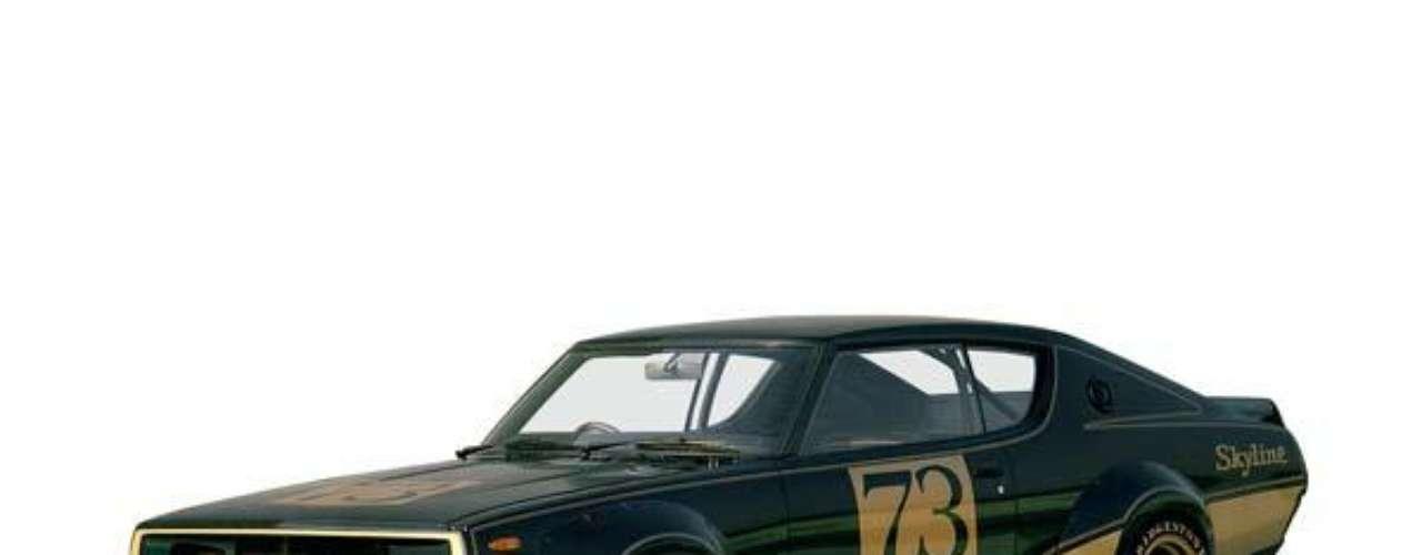 En la década del 70 el diseño del GT-R se ve influenciado por los Muscle Cars americanos de gran éxito. Su dominio en las pistas niponas continuó, pero a causa de la crisis del petroleo se comenzaron a realizar vehículos menos poderosos. Esto derivó en que la versión 1973, de la que solo se fabricaron 197 unidades, fuera el último Skyline GT-R durante 16 años.
