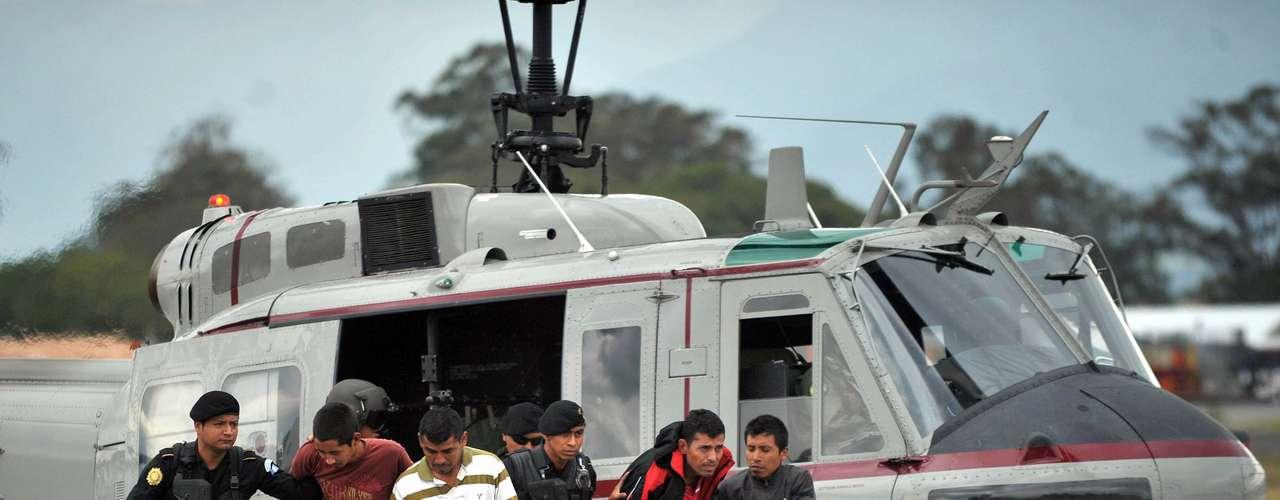Según publica este martes el diario local Prensa Libre, desde junio pasado, en México, el sanguinario cartel de Los Zetas se partió en dos debido a las pugnas de poder por el control del grupo entre Heriberto Lazcano, alías \