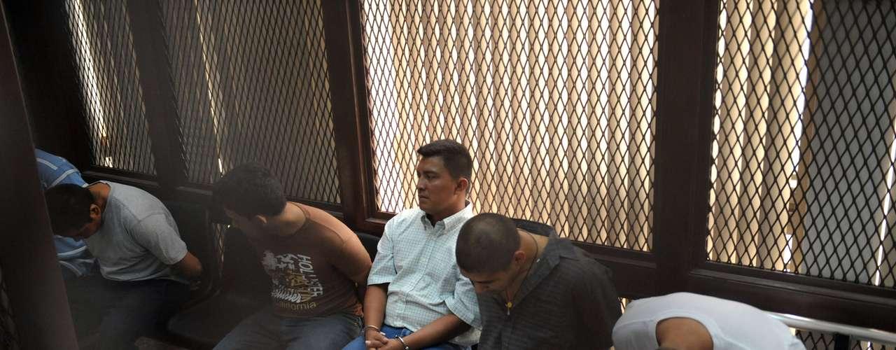 Según Rivera, hasta el momento los enfrentamientos entre los seguidores de ambos capos, que en México se han cobrado la vida de más de un centenar de personas en las últimas semanas, no han llegado a territorio guatemalteco.