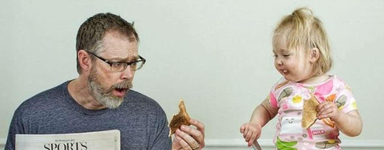 Una divertida serie de fotos de padre e hija es un hit en internet. Son  imágenes donde Dave Engledow se proclama como el 'Mejor Padre del Mundo' junto a la pequeña Alice en situaciones muy particulares.