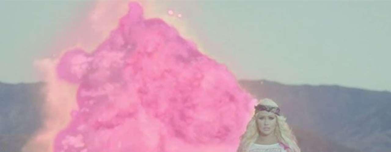 Christina Aguilera encarna a una sexy asesina de hombres en su recién estrenado video \