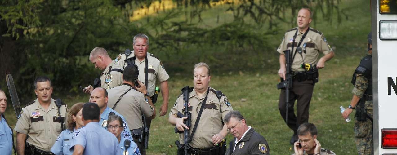 Otras tres personas resultaron heridas. Tres de los heridos se encuentran en estado crítico en el Centro Médico del condado de Hennepin de Minneapolis, mientras que no se teme por la vida del otro, añadió la policía.