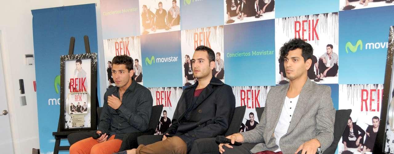 Julio Ramírez, Jesús Navarro y Bibi Marin, integrantes de Reik, quienes atraviesan por un momento de gozadera, tras sus recientes nominaciones al Latin Grammy, aprovecharon su popularidad para lanzar una edición deluxe de su álbum y DVD \
