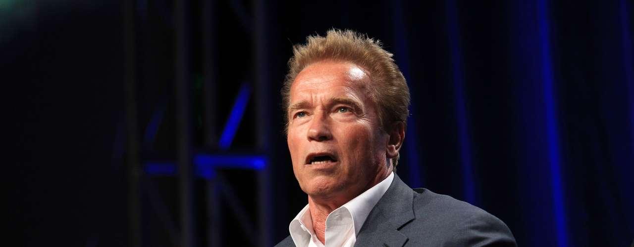 Sin embargo, Schwarzenegger aclaró en el programa 60 Minutes que  no sabía que el hijo de Baena era suyo hasta que el niño cumplió ocho o nueve años de edad y empezó a notar que se parecía a él. Nunca se discutió, pero todo tomó forma, dijo Schwarzenegger, cuya autobiografía 'Total Recall' salió a la venta este 1 de octubre.