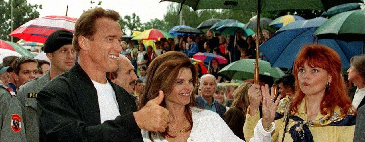 Por ejemplo, Schwarzenegger admitió que él había querido ocultar una cirugía de corazón en 1997 a Maria Shriver, con quien tenía 11 años de matrimonio en aquel entonces y estaba embarazada.