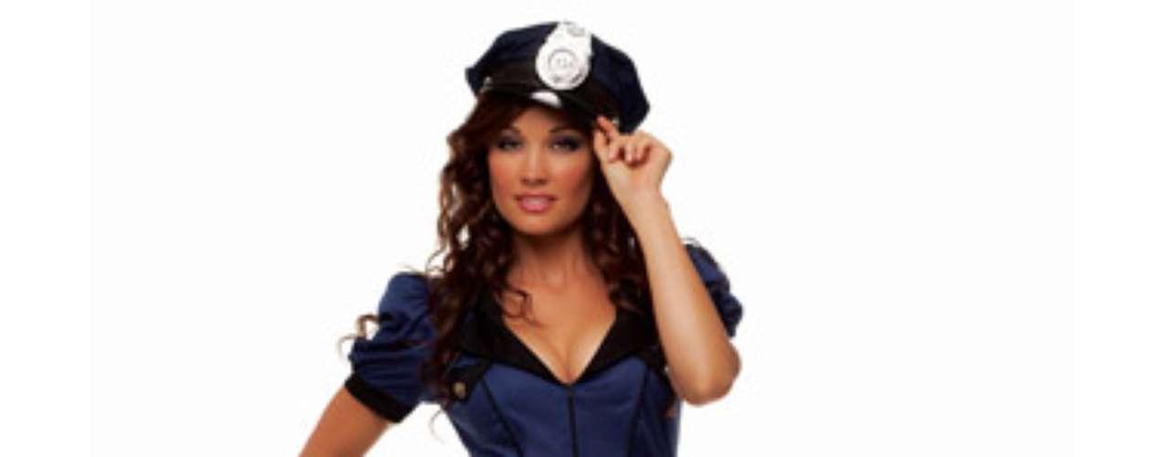 Establecer la ley con este traje de oficial es ¡muy caliente! Es tu mundo y  puedes decidir lo que es legal y lo que no.