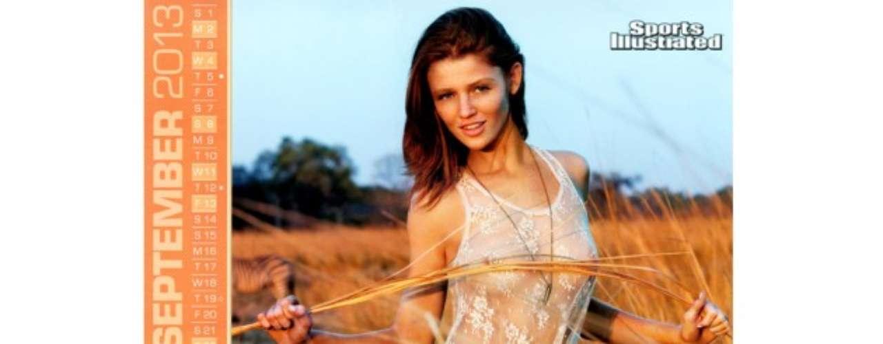 Cintia Dickier. Esta bella modelo ha participado en campañas publicitarias de diversas firmas como Yves Saint Laurent, Victoria's Secret, H&M, Gap, etc. Asimismo, Vogue, Tenn Vogue y Elle son algunas de las publicaciones en las que ha participado la brasileña de 25 años.