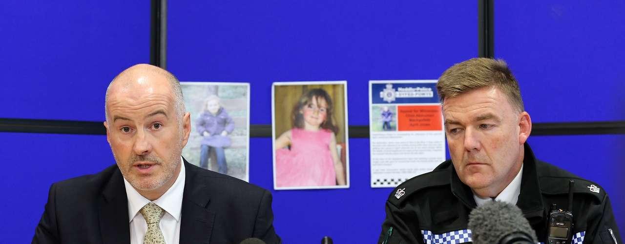 El detective Reg Bevan, de las fuerzas del orden de Gales, convocó a la prensa para pedir la colaboración de la población y dar a conocer los primeros detalles del suceso.