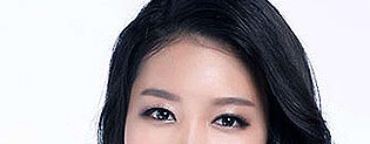 Miss Lee Jung-bin. Tiene 23 años de edad y mide 1,70 metros de estatura.