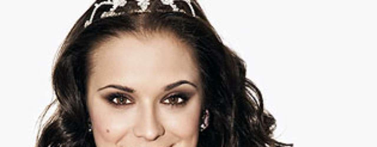 Miss Eslovaquia - Denisa Krajoviová. Tiene 24 años de edad y mide 1,80 metros de estatura.