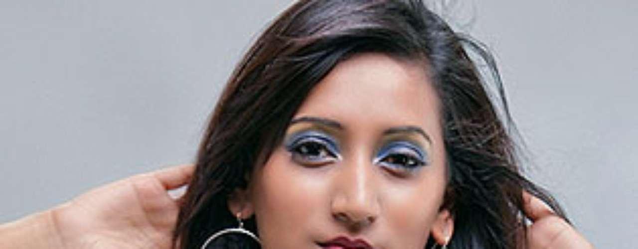 Miss Mauricio - Ameeksha Dilchand. Tiene 24 años de edad y mide 1.76 metros de estatura.