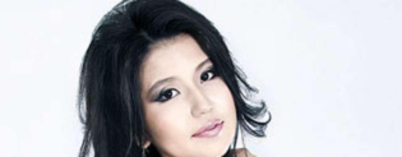 Miss Mongolia - Dolgion Delgerjav. Tiene 23 años de edad y mide 1.70 metros de estatura.