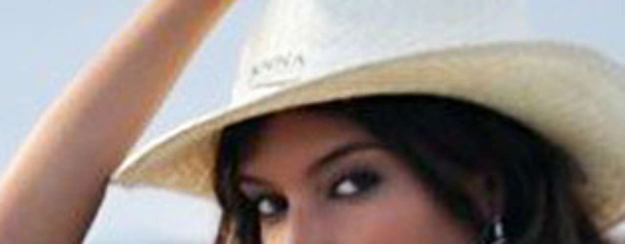 Miss República Dominicana - Melody Mir Jiménez. Tiene 22 años de edad y mide 1.81 metros de estatura.
