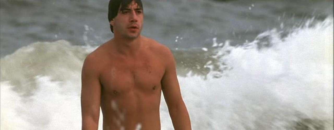 Javier Bardem, convertido en 'sex symbol' por su papel en 'Jamón, jamón' de Bigas Luna, se destapó para Gonzalo Suárez en 'El detective y la muerte'. El actor mostró partes de su anatomía en 'Las edades de Lulú' y 'Huevos de toro'.