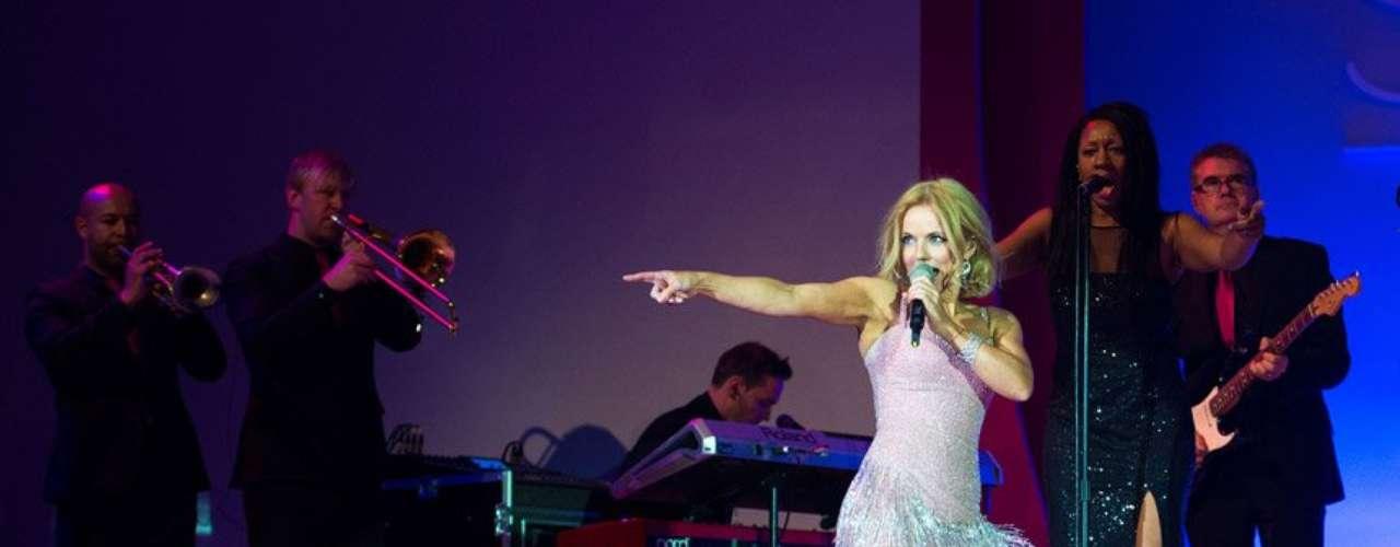 Una sexy Geri Halliwell revivió el mega hit de Las Spice Girls \