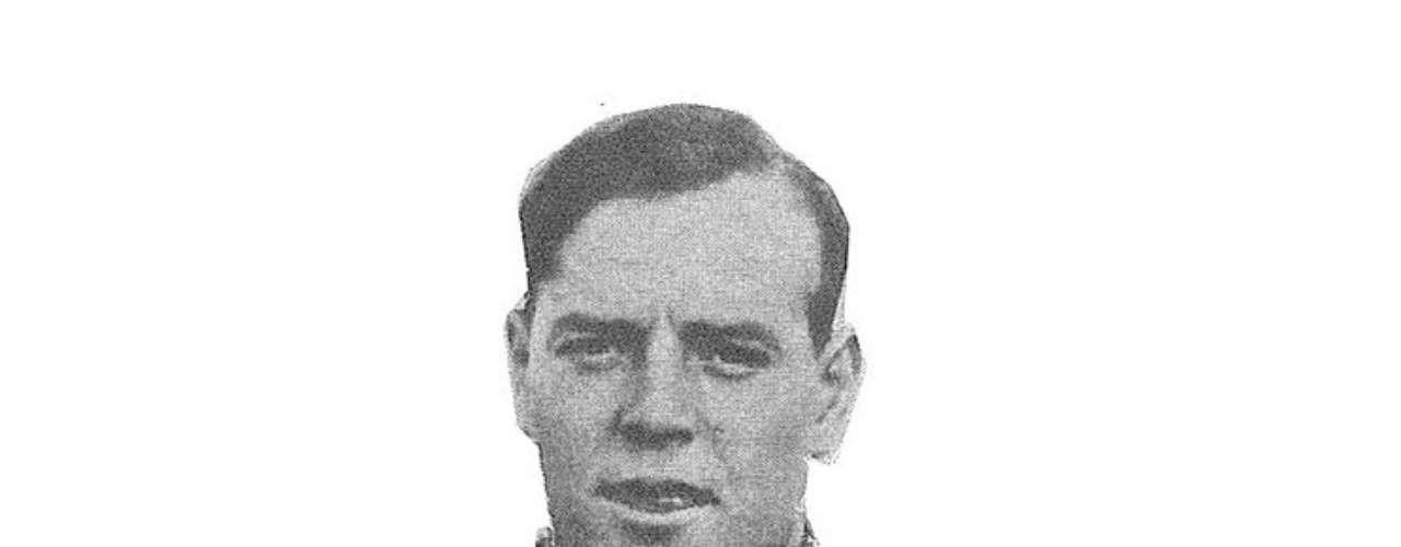 Ricardo Zamora, mítico ex portero del futbol español, jugó en los dos equipos de mayor importancia en el país ibérico, a pesar de que debutó en el Espanyol. El \