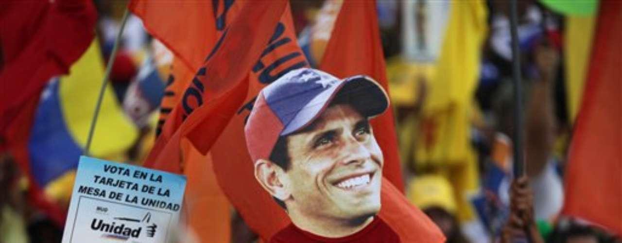 Henrique Capriles es el joven candidato opositor venezolano que se decidió a \