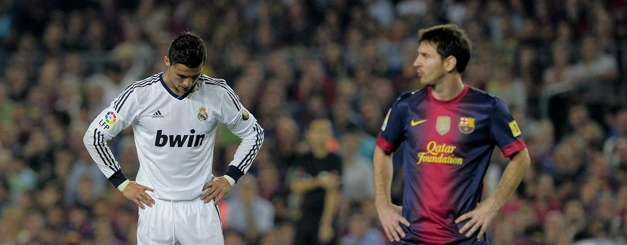 this photo shows that although Messi and Ronaldo had scored two goals each, neither was satisfied with the resulting draw.