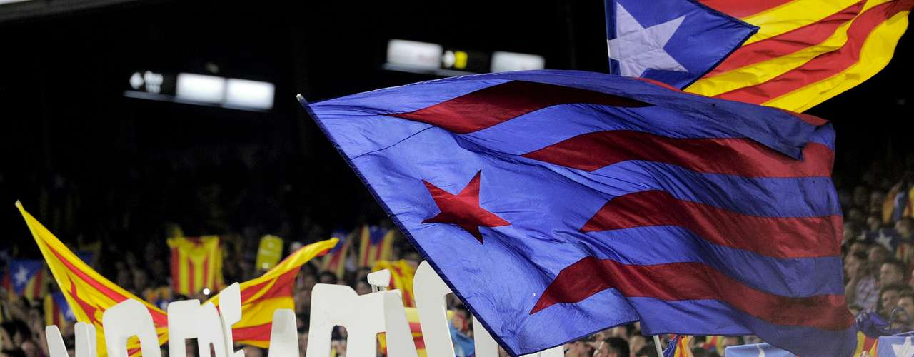 The encounter also had its controversy, as the Barca fans carried the Catalan independence flag, to excite their team. Also, certain fans spelled out the word 'independence.'