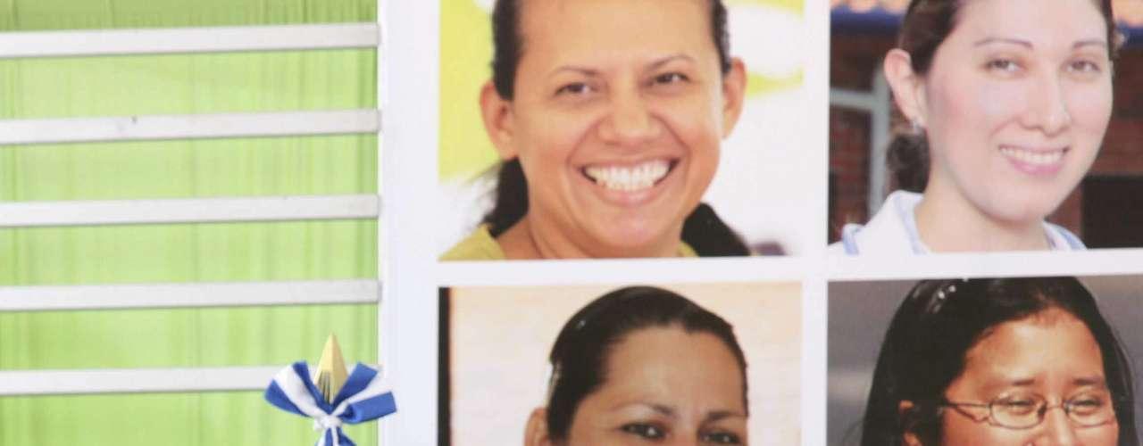 El presidente de El Salvador, Mauricio Funes,le envió al presidente Chávez \