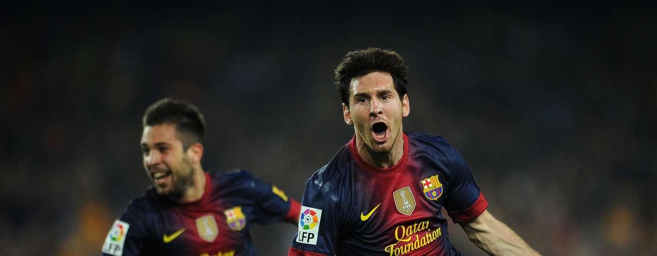 El argentino Lionel Messi, del Barcelona, lidera la relación de artilleros; el crack anotó nueve goles con la selección argentina y diez tantos en competiciones internacionales por el club catalán.