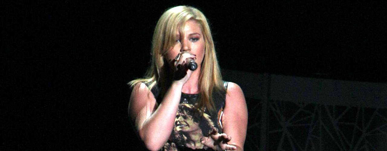 Salida de las filas del programa de concurso 'American Idol', Kelly Clarkson sólo ha sido estrella desde 2002, pero su arrastre en las listas de popularidad le dan el cuarto lugar en la honrosa selección.