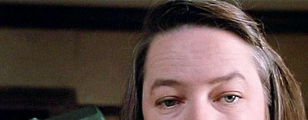 ANNIE: la protagonista de la película Misery, una mujer fatalmente obsesionada con un escritor