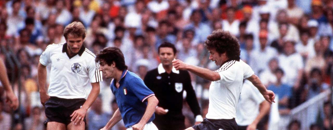 Paul Breitner - El alemán sabía ablandar al rival. \