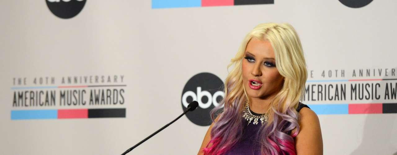 Entre los nominados destacan Drake, Bieber, Maroon 5, Katy Perry Rihanna, quienes compiten por ser el \