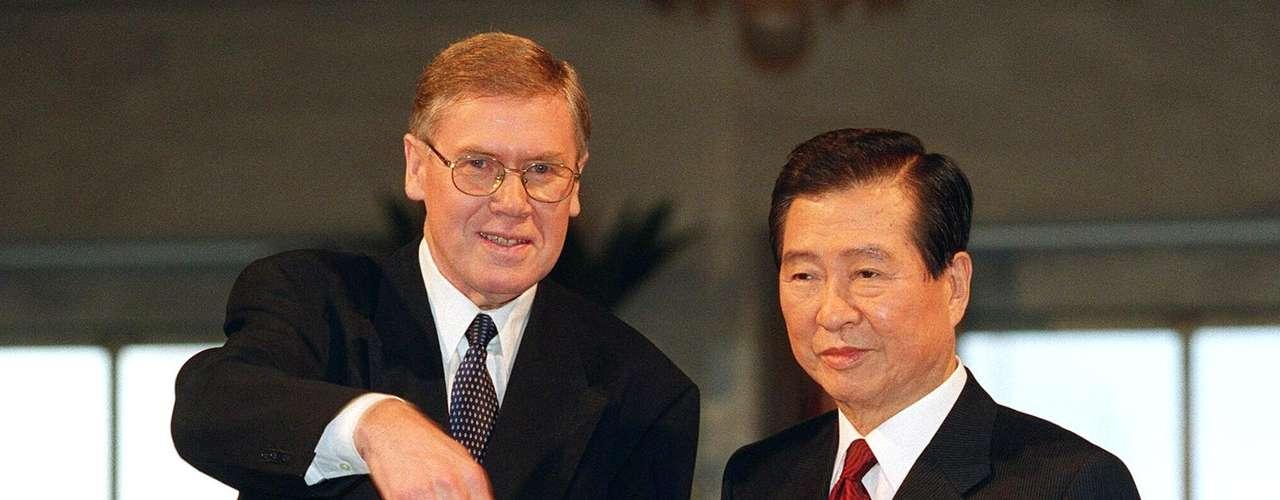 2000: Kim Dae Jung (der), Corea del Sur, \