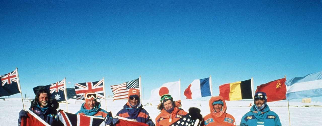 Mark Serreze, director del centro de datos sobre nieve y hielos, dice que los modelos computarizados desde hace tiempo han predicho que la Antártida no iba a responder de la misma forma que otros lugares al calentamiento global. Dese 1960, el Artico ha sido la región que más se ha calentado en el mundo, y la Antártida la que menos, de acuerdo con datos de la NASA.