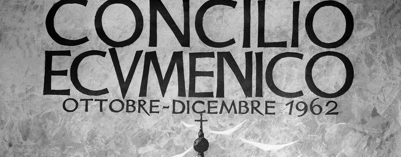 Este concilio se abrió el 11 de octubre de 1962 y duró hasta el 8 de diciembre de 1965. La apertura fue solemne, en la basílica de San Pedro, y con la presencia de 2,540 obispos de todo el mundo.