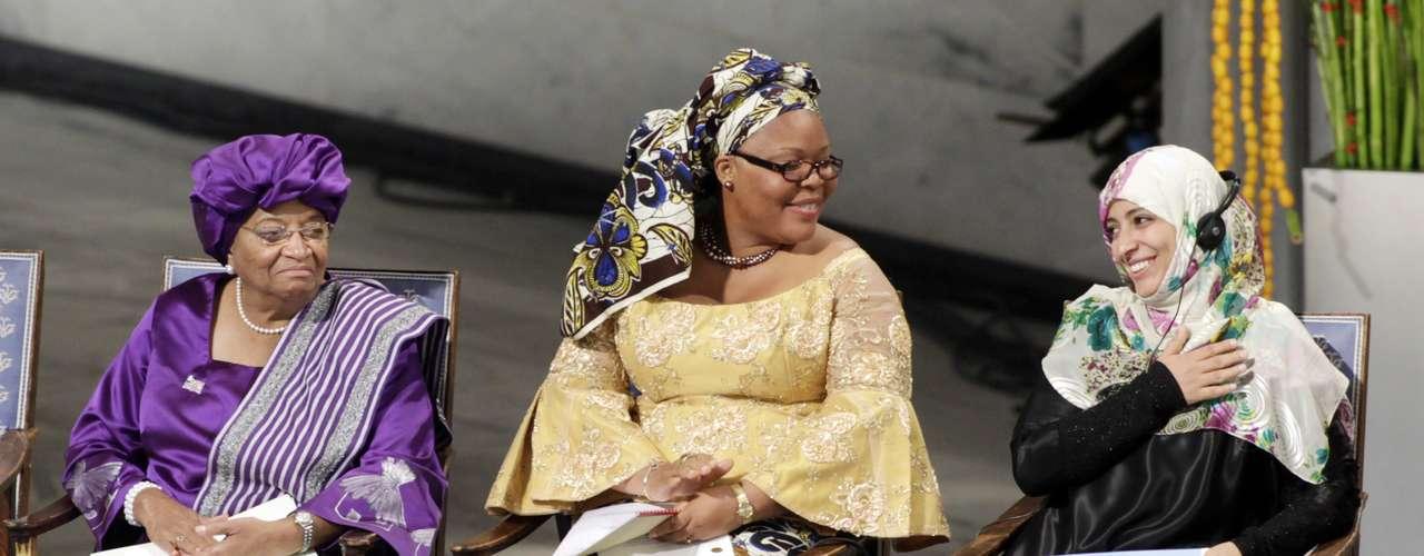 2011: Ellen Johnson-Sirleaf (isz), Liberia, Leymah Gbowee (c), Liberia, y Tawakkul Karman (izq), Yemen,  \