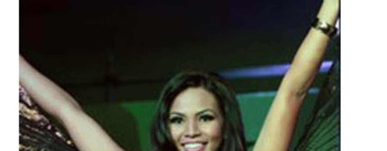 Miss Guam - Alyssa Cruz Aguero. Mide 1.80 metros de estatura. Es una modelo profesional.